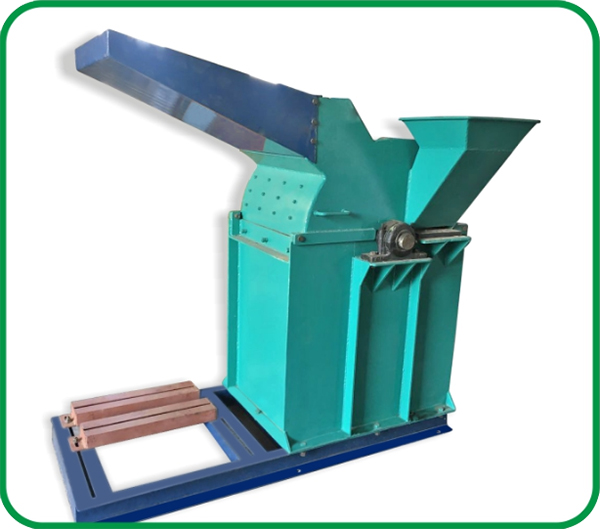 Crusher Cum - Shredder Machine, Wood Crusher Cum Shredder Suppliers, Wood Crusher manufacturer in Rajkot, Wood Chipper - Drum Chipper